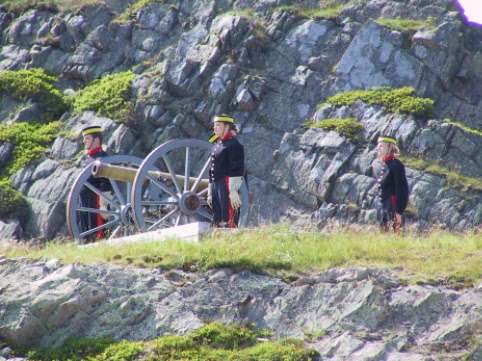 Canons fire at Signal Hill